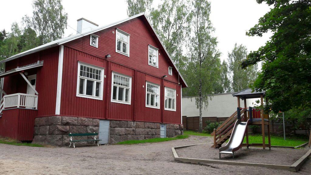 Daghem i Esbo - Kilo Svenska Lekskola - Röda huset